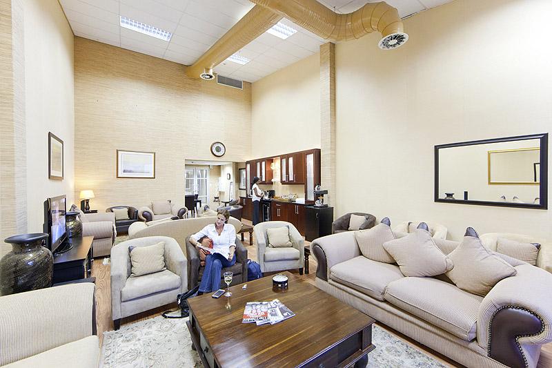 Swift Flite Business Charter Lounge