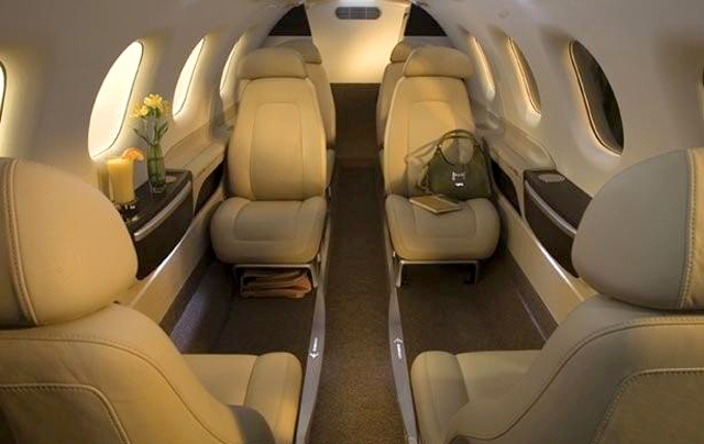 Embraer Phenom 300 interior cabin