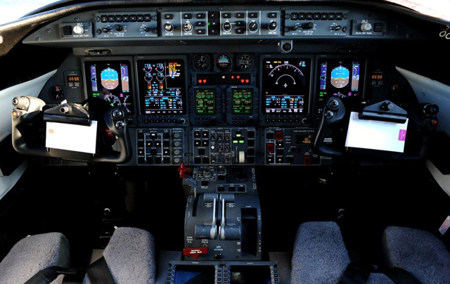 Learjet 45 Cockpit