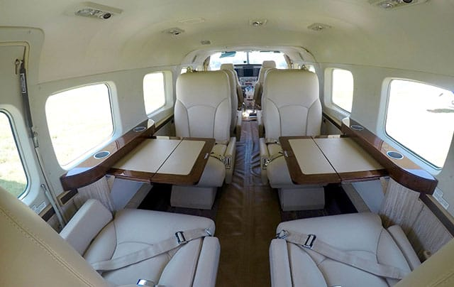 cessna-grand-caravan-interior-work-station